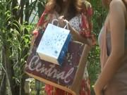 xxxไทย แอบเย็ดที่น้ำตกเจ็ดสาวน้อย ถ่ายหนังโป๊กันตรงนี้เลยไม่กลัวคนเห็นเลยหวะ