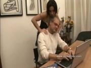 พ่อเครีดหนักมาก ทำงานก็ไม่เสร็จลูกเลยแก้ผ้าให้จับนมจับหีวัยรุ่นสะหน่อย จะได้ระบาย porn ro89