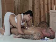 pornxxx สาวขาวหอยเนียน ฝรั่งคนนี้ทำอาชีพสปานวดหัวควย นวดกระปู๋สำหรับคนเงี่ยนเย็ดหี