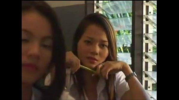 หนังโป๊ไทย เรื่องอะไรว้ะเนี้ย มีชุดนักศึกษาด้วย บอกตรงๆว่าเด็ดแบบว่า อยากจะชักว่าว ตีกระหรี่