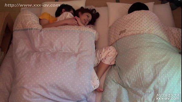 คลิบโป๊ญี่ปุ่น avpron เนื้อเรื่องแนวๆ แอบเย็ดกันบนเตียงน้องสาว พี่สาวสุดเงี่ยนกับผัวสุดหงี่