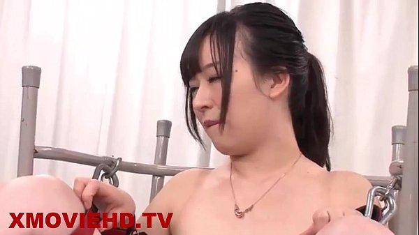 pornญี่ปุ่น โดนนักเรียนรุมเย็ด เต็มใจให้ลงแขก เพราะว่าคันหีมากๆ อยากโดนเย็ดแรงๆ