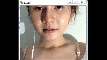 คลิปโป๊แคมฟร๊อก น้องนักเรียนสาวไทยสุดยอด หน้าตาจิ้มลิ้มน่ารักน่าค้นหา เปิดนมโชว์ซะงั้น