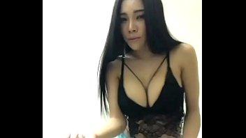 คลิปเอมมี่ แม็กซิม นางแบบนมโต โชว์ facebook xxx live 18+ หน้ากล้อง สุดเด็ดนมใหญ่โคตรอะ