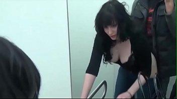 แอบเย็ดกันในห้องลองเสื้อผ้าในห้าง แม่งเอาอีกแล้วคราวที่แล้วก็ห้างโลตัส