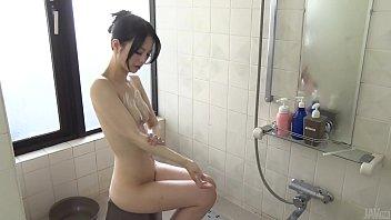 javhdporn เนียนโคตรโดยเฉพาะหีของเธอ ตอนอาบน้ำชำระล้างทำความสะอาดหีก่อนที่จะโดนเย็ด
