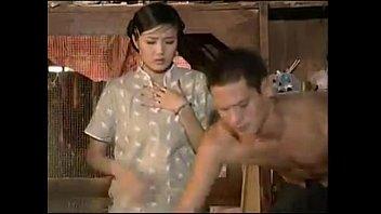 หนังโป๊ไทยเถื่อน วางขายตลาดนัดสมัยเก่าแผ่นเถื่อนแบบนี้รับรองคุณภาพว่างานดีสุดๆ หีเป็นหี ควยเป็นควย ควยเสียบหี