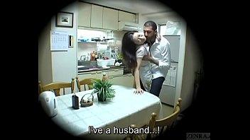 หลุดจากกล้องวงจรปิดในบ้าน JAVผัวเมียเย็ดกันในครัวอย่างเสียว ผัวกลับมาจากทำงานเงี่ยนมาก จะเย็ดหีเมียอย่างเดียวเลย