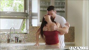 หนังโป๊hdxxx คู่รักขาเงี่ยนหยุดเย็ดไม่ได้ ตื่นเช้ามาก็จัดเสียวหีหนึ่งน้ำกระเด้าให้สุดแรงก่อนไปทำงาน