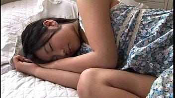 Japanese AV หนังเอวีญี่ปุ่นเย็ดสะใจ เด็กน่ารักนมสวยหีเล็ก นอนนิ่งๆโดนจับเย็ดไปอย่างกระจุยกระจาย ครางได้โคตรเงี่ยนหี